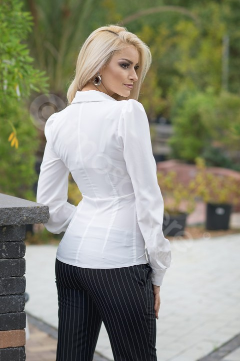 Camicia bianca slim-fit.