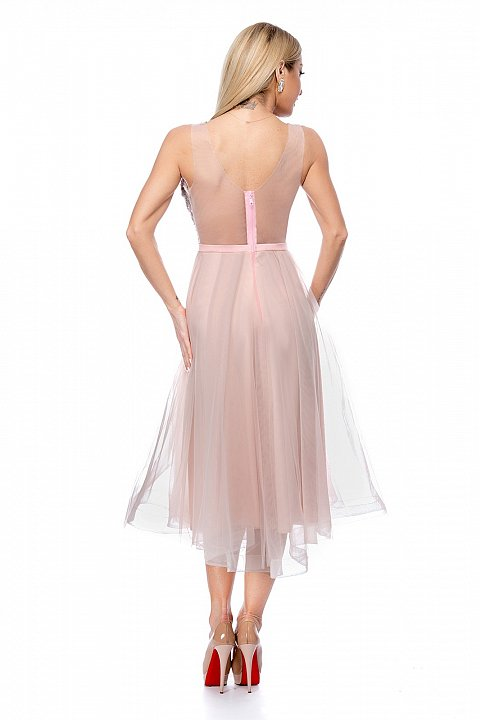 abito rosa princess con gonna in tulle e corpino in pizzo ricamato.
