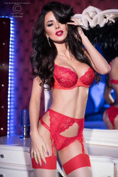 set 3 pezzi in pizzo rosso