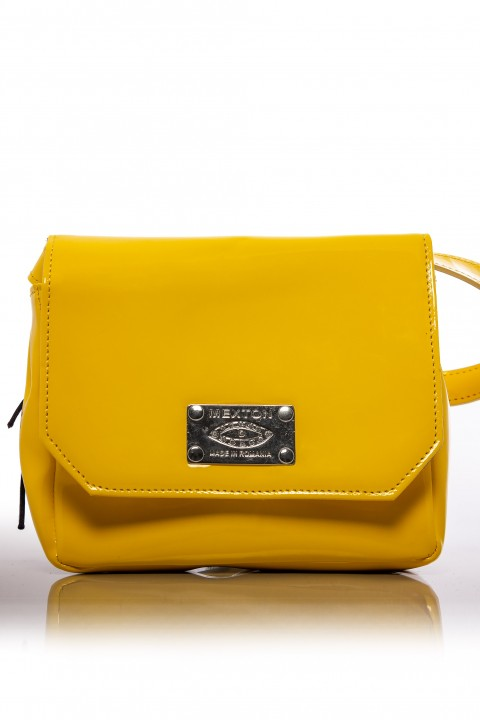 MIni bag di colore giallo in ecopelle lucida.