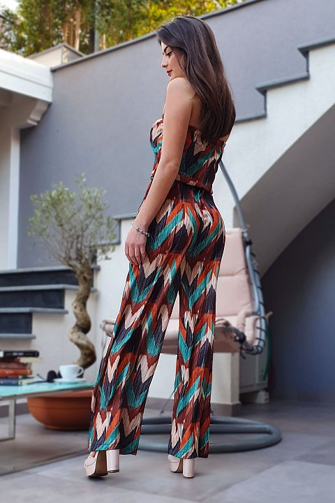 Jumpsuit elegante in tessuto plissè multicolor.