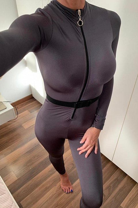 Jumpsuit slim in lycra color grigio fumo.