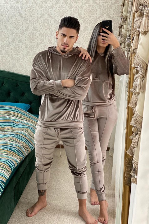 Sporty set for him & her in beige chenille.