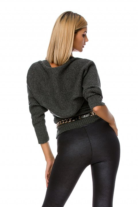 Leggings in black eco-leather with stirrup.