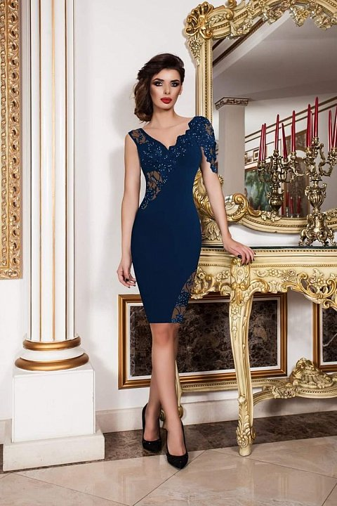 Elegant blue sheath dress with tulle and embroidery.