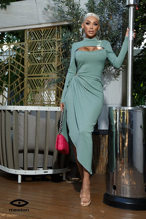 Turquoise midi dress in ribbed jersey.