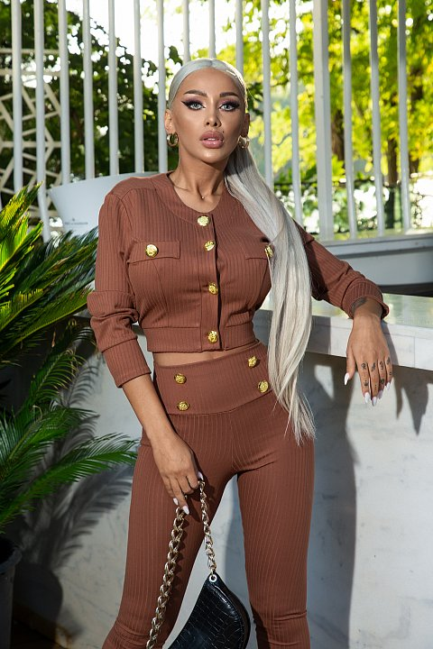 Casual brown suit with golden buttons.